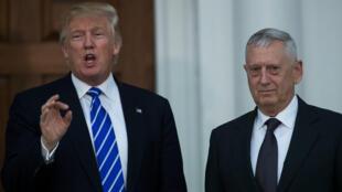 Donald Trump et son futur secrétaire à la Défense, John Mattis, le 19 novembre dans le New Jersey.