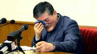 L'Américano-Coréen Kim Dong-chul, le 25 mars 2016, lors d'une conférence de presse durant laquelle sa confession avait été orchestrée.