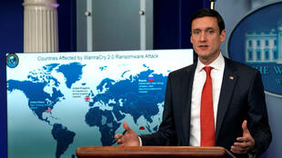 Tom Bossert, asesor de seguridad nacional de la Casa Blanca, habla ante la prensa sobre las acusaciones a Corea del Norte por desencadenar el llamado ataque cibernético WannaCry.