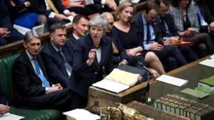 رئيسة الوزراء البريطانية تيريزا ماي أمام  مجلس النواب 27 مارس/آذار 2019
