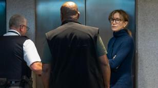 L'actrice américaine Felicity Huffman a été présentée au juge à Los Angeles mardi 12 mars dans une affaire de corruption.