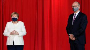 Merkel-Steinmer-AlemaniaReunificacion30 (1)