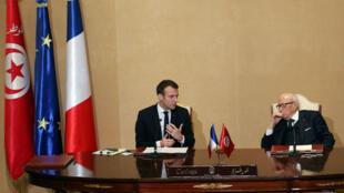 Los presidentes de Túnez, Beji Caid Essebsi y de Francia Emmanuel Macron durante su reunión en la capital del país. 1 de febrero de 2018.