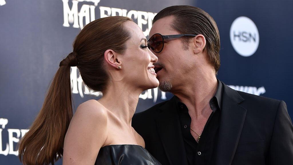 Angelina Jolie et Brad Pitt se sont mariés samedi dans leur propriété du sud de la France.