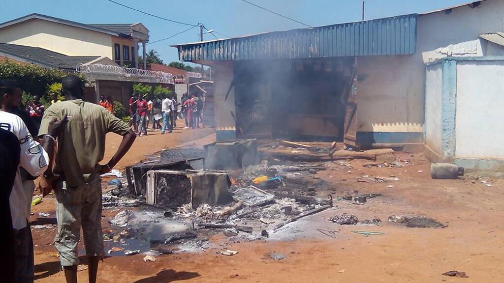 Non loin de l'avenue Boganda à Bangui, les manifestants ont posé des barricades.