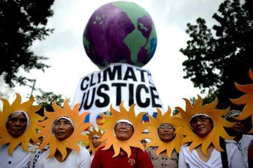 ناشطون يشاركون في مسيرة من أجل البيئة السبت في مانيلا - الفيليبين