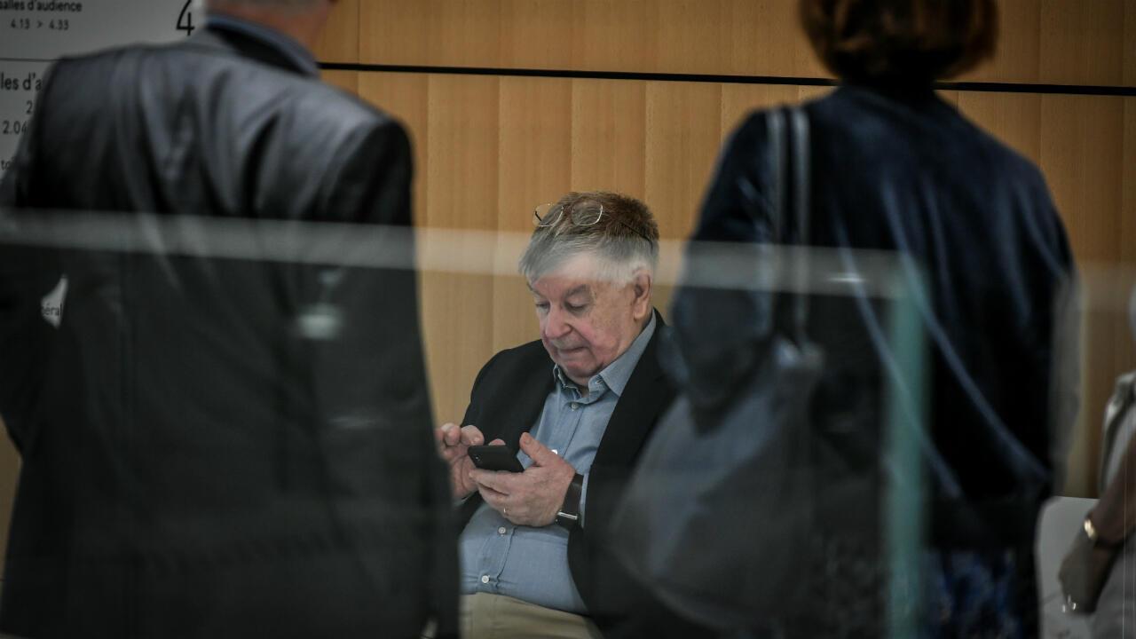 """L'ex-PDG de France Télécom, Didier Lombard, au palais de justice de Paris lors du procès de France Télécom pour """"harcèlement moral"""", le 4juillet2019."""