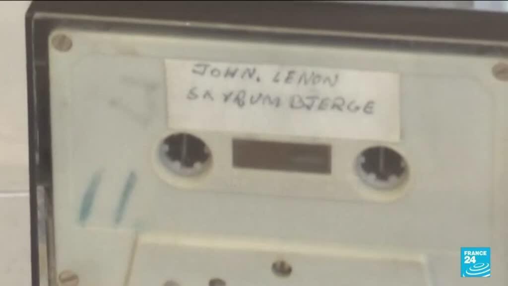 2021-09-28 12:43 Une cassette inédite de Lennon mise en vente au Danemark