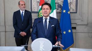 """Giuseppe Conte ha aceptado la tarea de formar un nuevo gobierno en Italia, """"con reservas""""."""