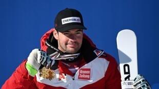L'Autrichien Vincent Kriechmayr, médaillé d'or de la descente des Championnats du monde, le 14 février 2021 à Cortina d'Ampezzo (Italie)