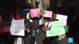 Manifestación en contra del feminicidio de Abigail Quintana, una joven boliviana de 18 años.