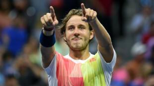 Lucas Pouille fait partie des trois Français, avec Gaël Monfils et Jo-Wilfried Tsonga, qualifiés pour les quarts de finale de l'US Open de tennis.