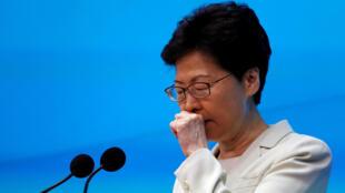 La jefa del Gobierno regional de Hong Kong durante su comparecencia de prensa este 18 de junio de 2019.