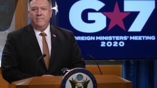 وزير الخارجية الأميركي مايك بومبيو في مؤتمر صحافي في واشنطن في 25 آذار/مارس 2020