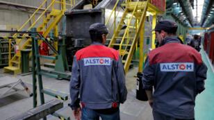 Des employés d'Alstom à l'usine de Belfort en octobre 2017.