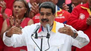 El presidente venezolanos, Nicolás Maduro, habla durante en un acto de apoyo al Gobierno en Caracas, Venezuela, el 20 de mayo de 2019.