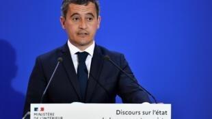 Le ministre de l'Intérieur Gérald Darmanin prononce un  discours sur l'état de la menace terroriste, le 31 août 2020 à Levallois-Perret, près de Paris