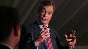 El líder del Partido Brexit, Nigel Farage, habla durante un evento de campaña de elecciones generales en Sedgefield, Reino Unido, 11 de noviembre de 2019.