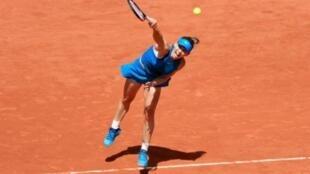 الرومانية سيمونا هاليب تفوز بلقب فردي السيدات في بطولة فرنسا المفتوحة لكرة المضرب