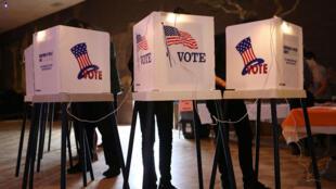 Il y a environ 350 000 machines à voter aux États-Unis.