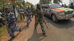 La garde présidentielle lors de la venue de Pierre Nkurunziza dans la province de Cibitoke, le 17 juillet.
