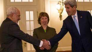 Les ministres des Affaires étrangères iranien et américain se sont rencontrés à Vienne, vendredi matin, en compagnie de l'ex-représentante européenne Catherine Ashton.