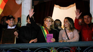 La senadora Jeanine Áñez asumió el cargo de presidenta por sucesión constitucional de Bolivia en La Paz, el 12 de noviembre de 2019.