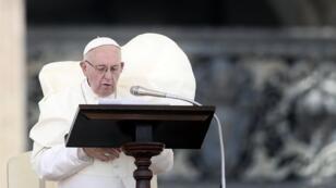 Le pape François lors de la prière de l'Angelus, le 12 août 2018 au Vatican.