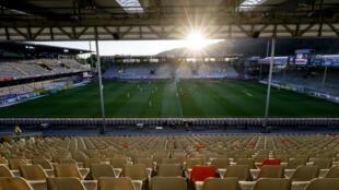 Les tribunes totalement vides du stade de Fribourg pendant le match de Bundesliga à huis-clos entre le SC Fribourg et le Bayer Leverkusen le 29 mai 2020 à Fribourg