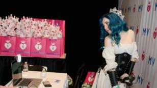 Goddess Kristie, une camgirl à la AVN Adult Expo en 2018.
