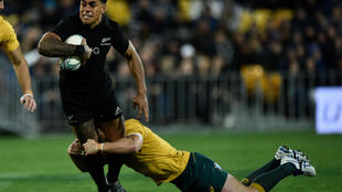 Ex-New Zealand centre Malakai Fekitoa was among six try scorers along with Alfie Barbeary in the Leicester win