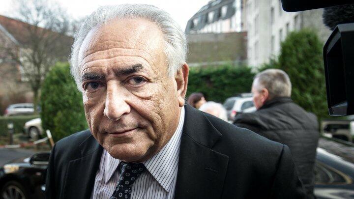 L'enquête des Pandora Papers a révélé, le 4 octobre 2021, que Dominique Strauss-Kahn a implanté dans des pays à la fiscalité avantageuse les sociétés via lesquelles il se fait rémunérer pour ses activités de conférencier et de consultant.