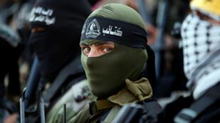 Miembros de varias facciones armadas palestinas participan en una conferencia de prensa en Gaza el 12 de septiembre de 2018.