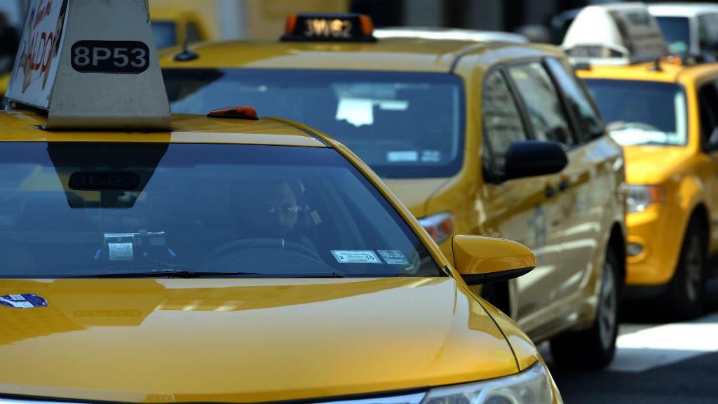 Taxis que recorren la Segunda Avenida en Nueva York, Estados Unidos, el 10 de julio de 2014 (Imagen de archivo).