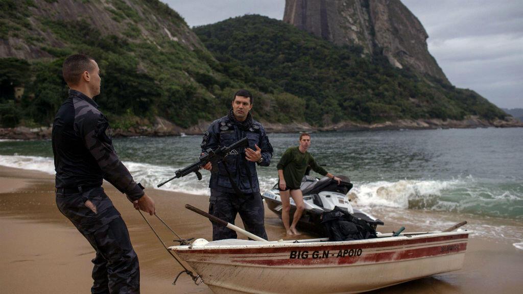 Opération de recherche de trafiquants de drogue sur les rivages de Rio de Janeiro, le 8 juin.
