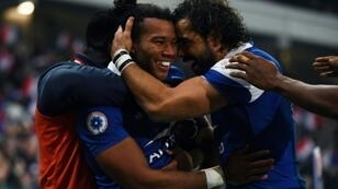 Two tries from Teddy Thomas helped France to their first win since March when they beat Argentina