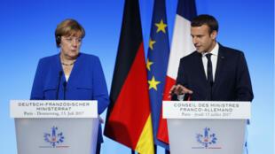 Angela Merkel et Emmanuel Macron ont donné une conférence de presse commune le jeudi 13 juillet 2017.