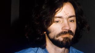 Charles Manson, l'un des plus célèbres tueurs en série, emprisonné en 1971, qui a provoqué la fascination d'une jeune femme de 26ans (ici, lors de son procès à Los Angeles en 1970).