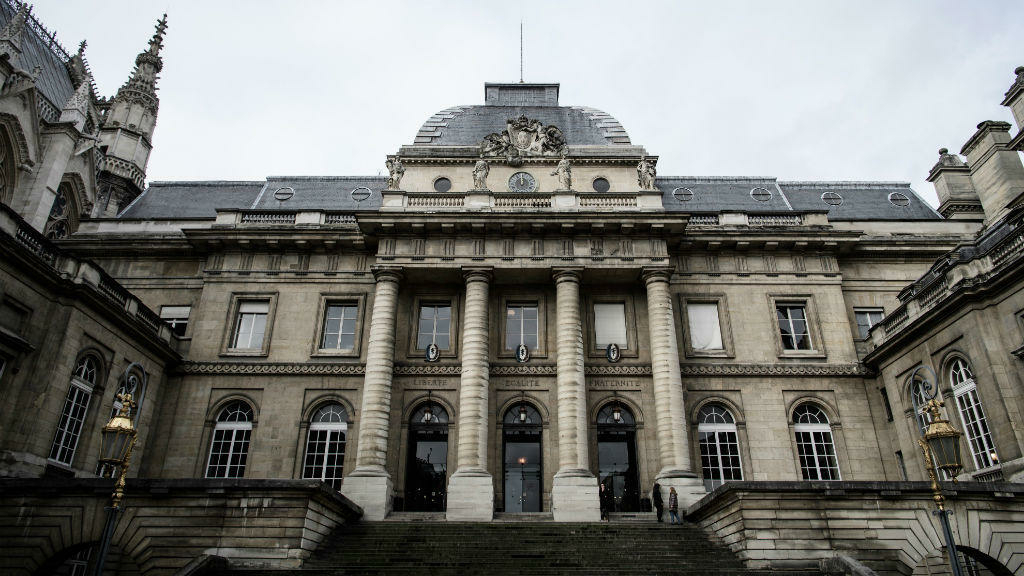 فرنسا: السجن عشرة أشهر مع وقف التنفيذ لابنة العاهل السعودي بتهمة  التواطؤ في تعنيف عامل