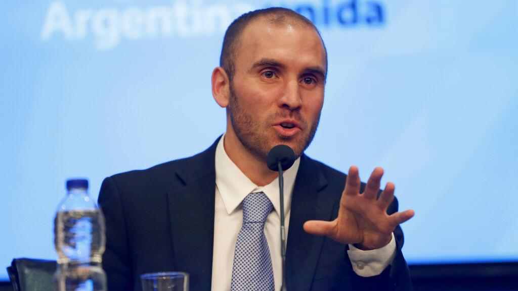 El ministro de Economía, Martín Guzmán, interviene en una rueda de prensa en Buenos Aires. 11 de diciembre de 2019.