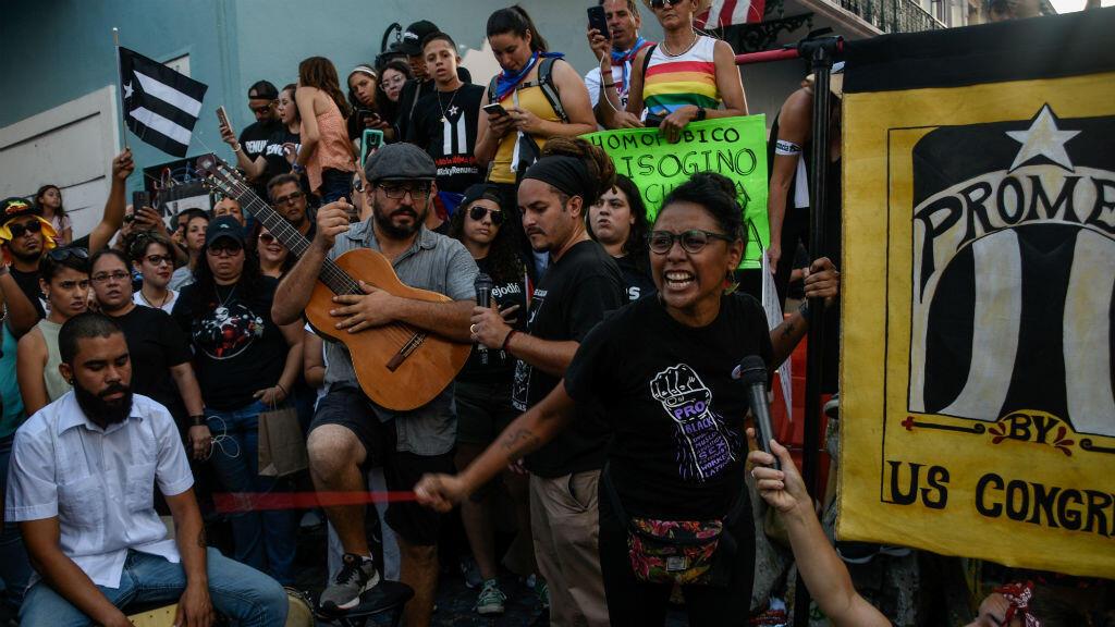 Una protesta pidiendo la renuncia del gobernador Ricardo Rossello frente a La Fortaleza en San Juan, Puerto Rico, el 21 de julio de 2019.