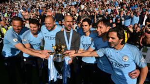 نادي مانشستر سيتي بطل الدوري الإنكليزي لكرة القدم