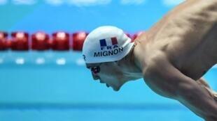 Le Français Clément Mignon au départ de sa demi-finale du 100 m libre, aux Mondiaux de Gwangju, le 24 juillet 2019
