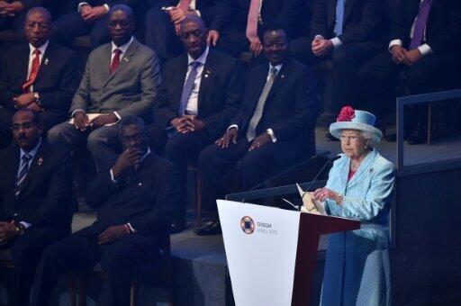 ملكة بريطانيا إليزابيث الثانية في افتتاح قمة الكومنولث في فاليتا في 27 نوفمبر 2015