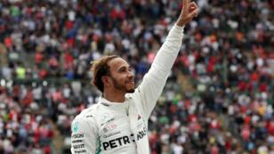 Lewis Hamilton celebra la conquista de su quinto Mundial en el Gran Premio de México. 28 de octubre de 2018, Ciudad de México, México.
