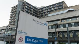 L'infirmière revenue de Sierra Leone et diagnostiquée postive au virus Ebola a été transférée, mardi 30 décembre, à l'hôpital Royal Free de Londres.