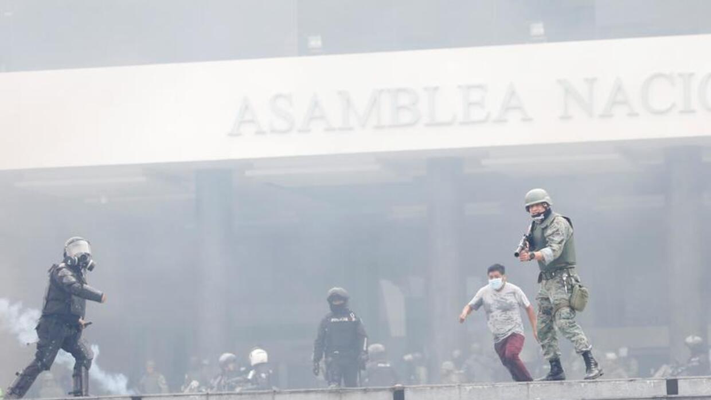 الإكوادور: فرض حظر التجول حول المؤسسات الحكومية بعد اقتحام متظاهرين البرلمان
