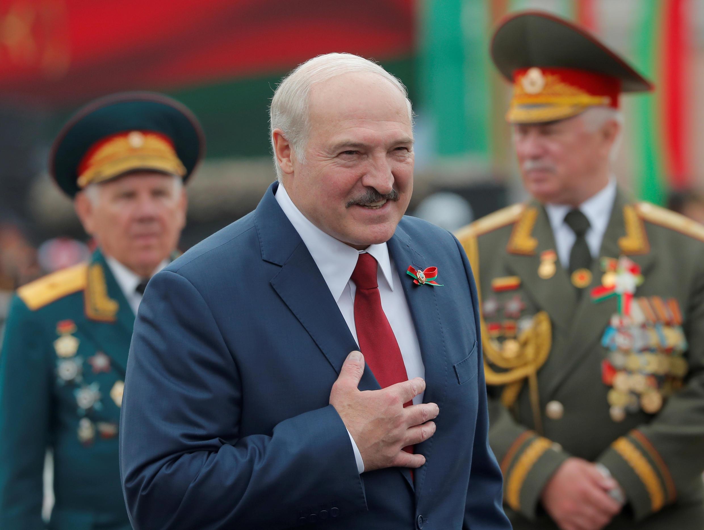 Archivo- el presidente bielorruso, Alexander Lukashenko, durante las celebraciones de la independencia de su país, en Minsk, Bielorrusia, el 3 de julio de 2020.