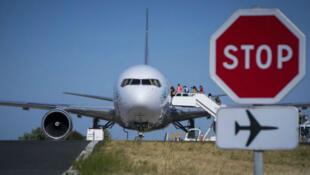 Le projet de référendum sur la privatisation du groupe Aéroports de Paris (ADP) n'a pas obtenu en neuf mois le soutien de 10 % des électeurs exigé pour être validé.
