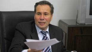 El fiscal federal Alberto Nisman fue encontrado muerto en su apartamento de Buenos Aires el 18 de enero de 2015.
